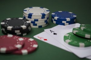 OnlinePokerPlay 300x200 - OnlinePokerPlay