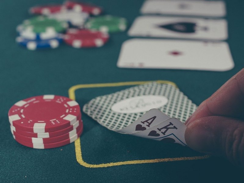 The Ten Main Differences in Live and Online Poker - Education Forum